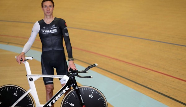 Jens beats the one hour record