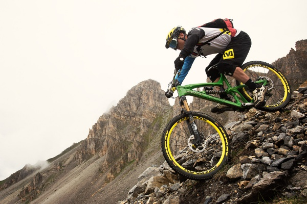 downhill mountain biking risks