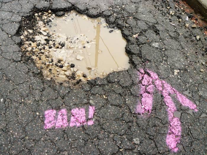 potholes cycling