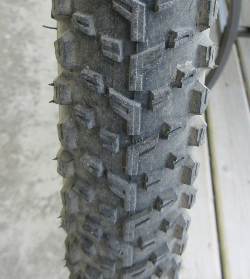 The Vittoria Mezcal offers a great tread pattern for fast, dry terrain.