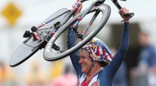 American Kristin Armstrong Wins 3rd Gold Medal at 42